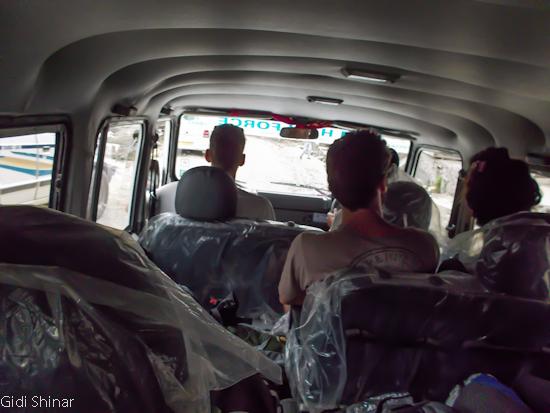 בג'יפ בדרך לקאסול