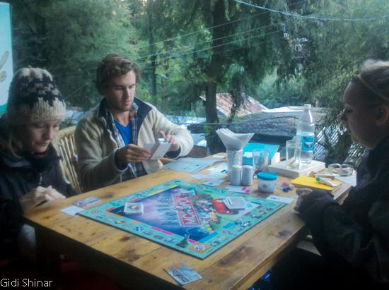 משחקים  במנאלי